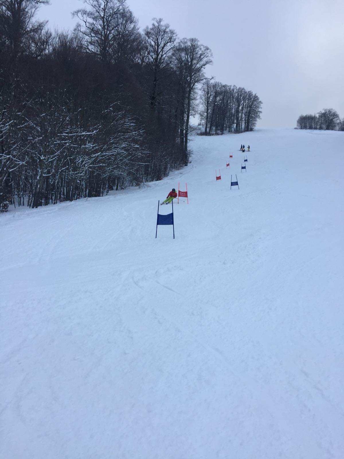 evolution ski training sci club snowboard